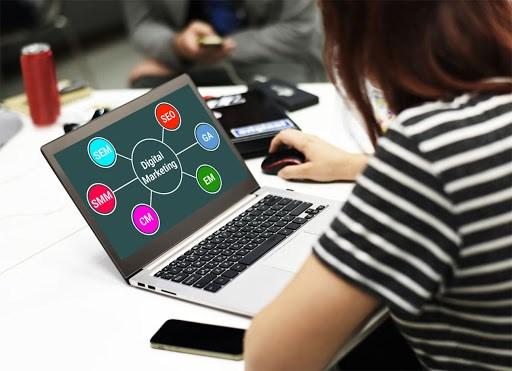 چگونه یک دیجیتال مارکتر شویم؟ (معرفی مهارت های بازاریابی دیجیتال)